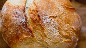 Enaknya roti carbonara