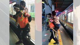 Petugas komuter gendong penumpang OKU menyentuh hati