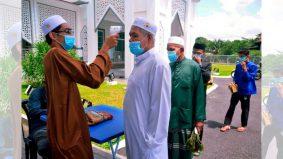 Nak dapatkan tempat untuk solat Jumaat di masjid, wajib hadir untuk beratur ke?