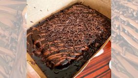 Mudahnya buat kek coklat gebu guna blender, jadi sumber pendapatan pun boleh