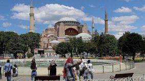 Selepas 86 tahun jadi muzium, Hagia Sophia akhirnya terima jemaah solat Jumaat pertama lepas jadi masjid