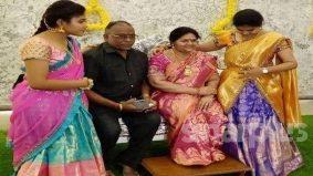 [VIDEO] Suami tempah patung mendiang isteri untuk upacara masuk rumah baharu!