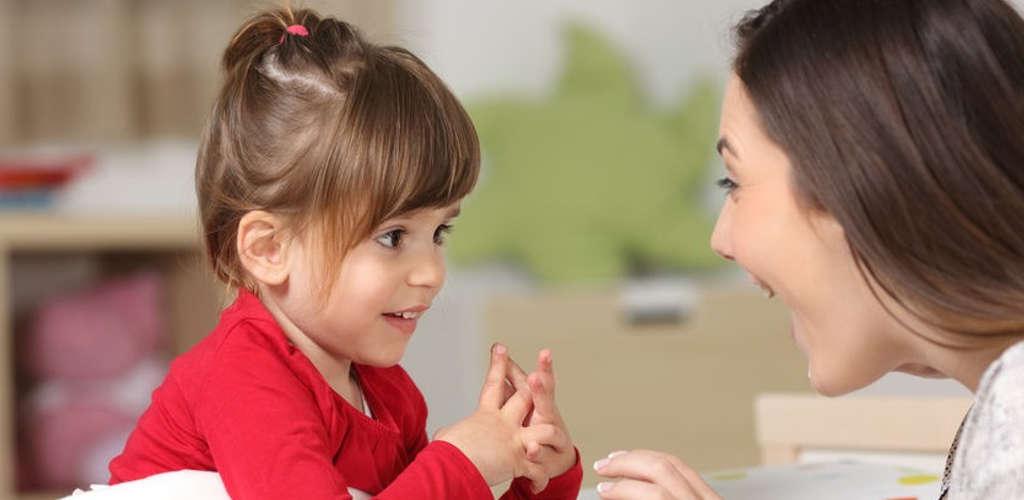 7 benda asas ibu bapa kena buat ketika berkomunikasi dengan anak