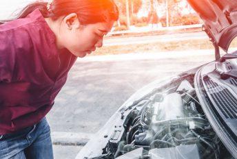 Kaum wanita, jangan panik kalau suhu enjin naik masa tengah drive.. ikut tips ini