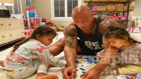 [VIDEO] Pesanan The Rock buat warganet setelah satu keluarga disahkan positif Covid-19